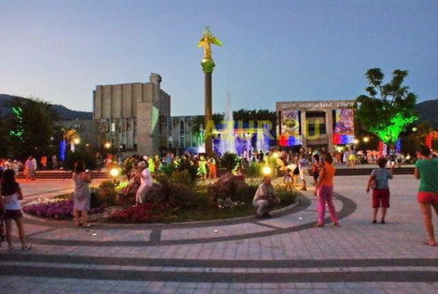 Смотреть веб-камеру Пляж в Лазаревском районе онлайн